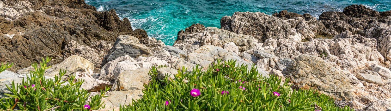 Wanderweg um das Cap Ferrat am Meer der Cote Azur