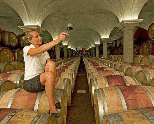 Federica-Zeni-in-ihrem-Weinkeller-in-Bardolino-am-Gardasee-Italien