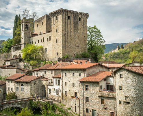 Die Lunigiana, antikes Gebiet der Burgen und Festungen in der Toskana