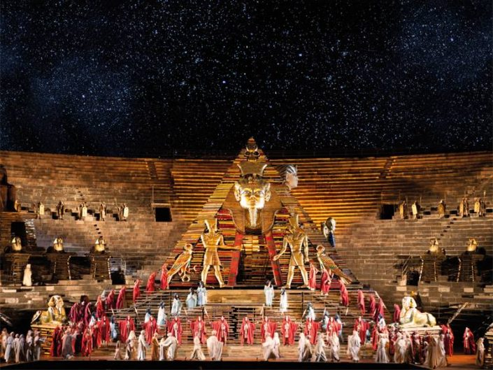 Bühnenbild Aida in der Arena von Verona