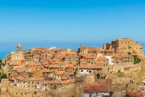 der malerische Ort Giglio Castello