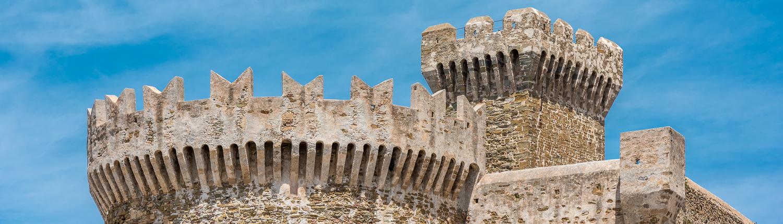 die Festung von Populonia, ein historischer Ort an der Maremmanischen Küste