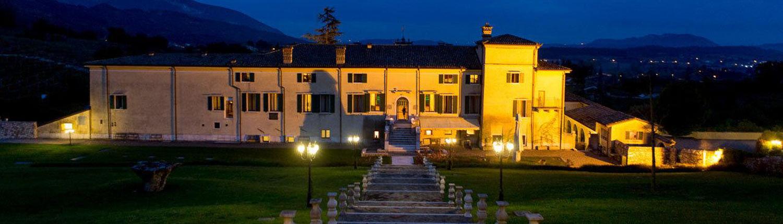 Die Villa Cariola bei Nacht