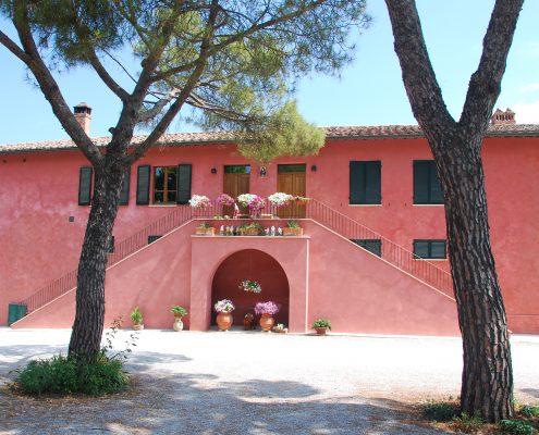Ein Gebäude des Weingutes von Poliziano bei Montepulciano
