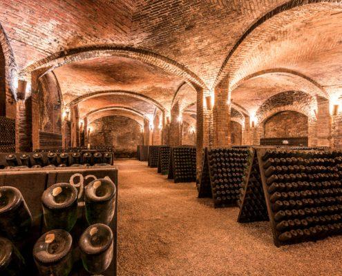 Die Kellerei Contratto in Canelli im Piemont