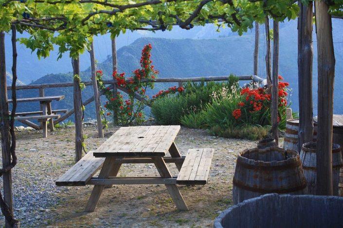 Die Terrasse von A Trincea mit Ausblick