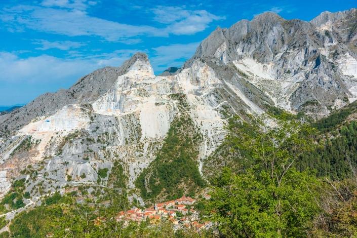 apuanische alpen und colonnata