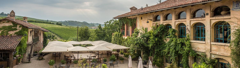ein Agriturismo in Panoramalage, das Landgut Casa Scaparone bei Alba
