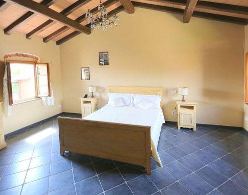 schoenes Zimmer im Hotel Ama La Luna bei Sarzana