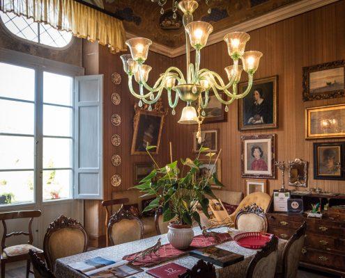 in der historischen villa Fabbrica di San Martino bei Lucca zur Weinverkostung
