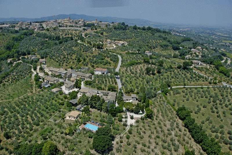 Camiano Piccolo, Landhaus bei Montefalco