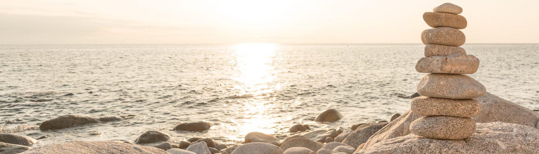 Steine am Strand von Pomonte