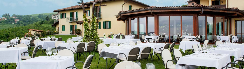 casa nicolini, restaurant mit ausblick nach barbaresco