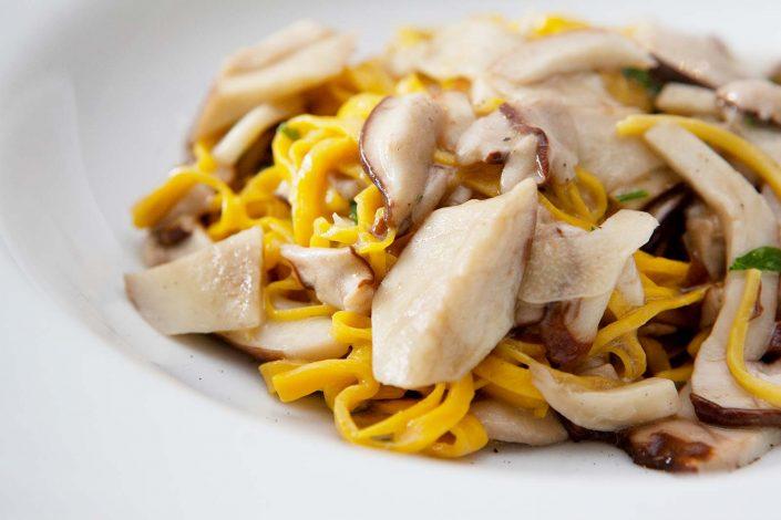 tajarin, typisches pastagericht aus dem piemont