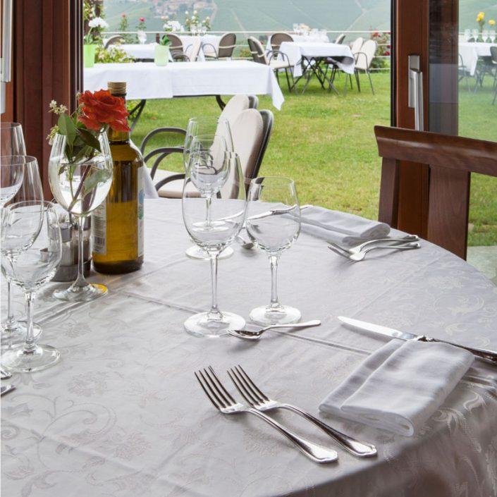 Tisch im Restaurant, casa nicolini barbaresco